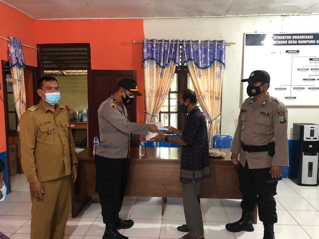 Kapolsek Serasan Silaturahmi Dengan Pemerintah Desa Kampung Hilir