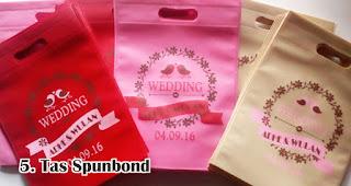 Tas Spunbond merupakan souvenir pernikahan yang ramah lingkungan