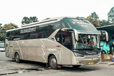 Foto Bus New Shantika 5F Yokohama