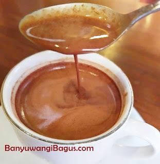 cokelat panas di Doesoen Kakao