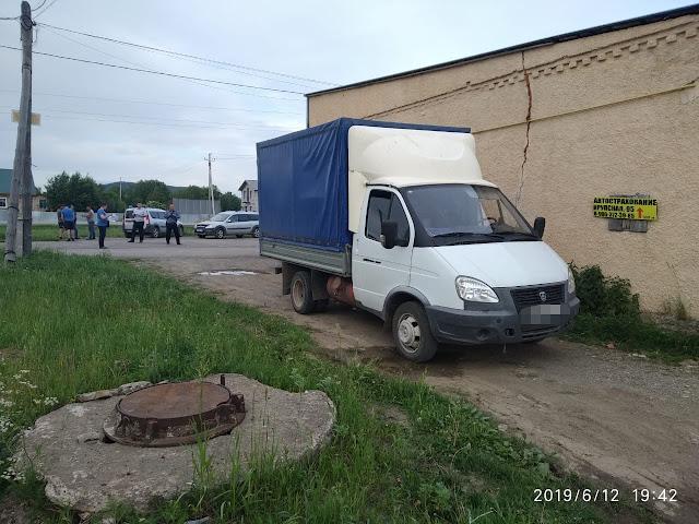v-kiginskom-rajone-pod-kolyosami-gruzovika-pogibla-1-5-godovalaya-devochka