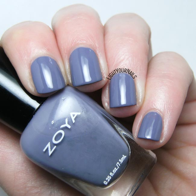 Smalto Zoya Caitlin nail polish