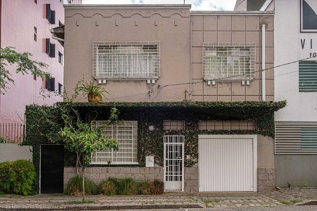 Um solar na Rua Fernando Amaro