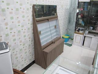 Etalase Display Untuk Toko Kacamata - Eyewear Display Showcase - Meja Display - Furniture Semarang
