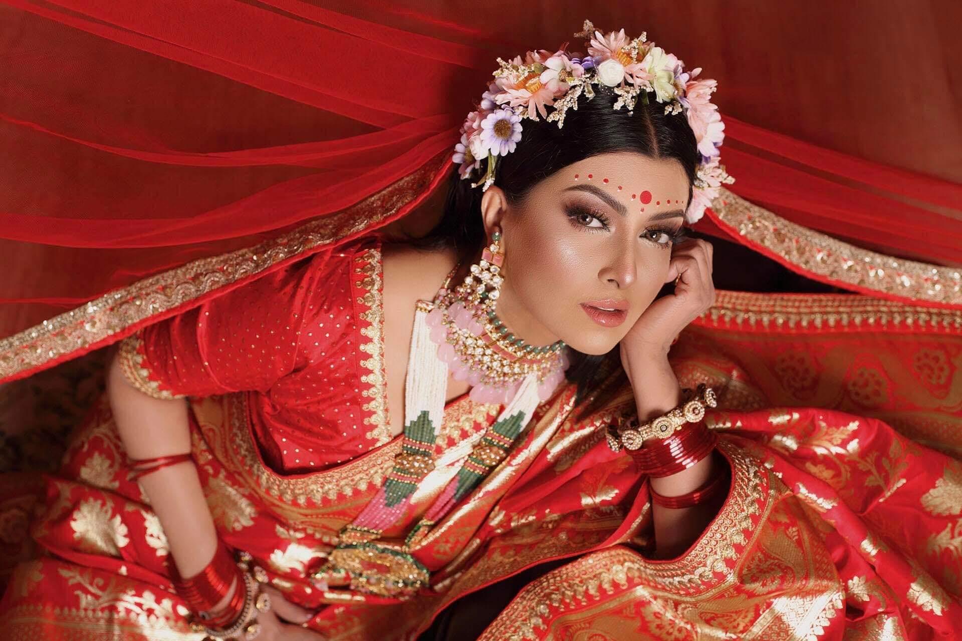 বাংলাদেশী অভিনেত্রী আয়েশা সালমা মুক্তির কিছু ছবি 15