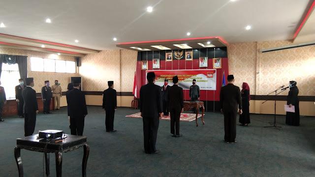Bupati Sanggau melantik 7 Pejabat di Kabupaten Sanggau.