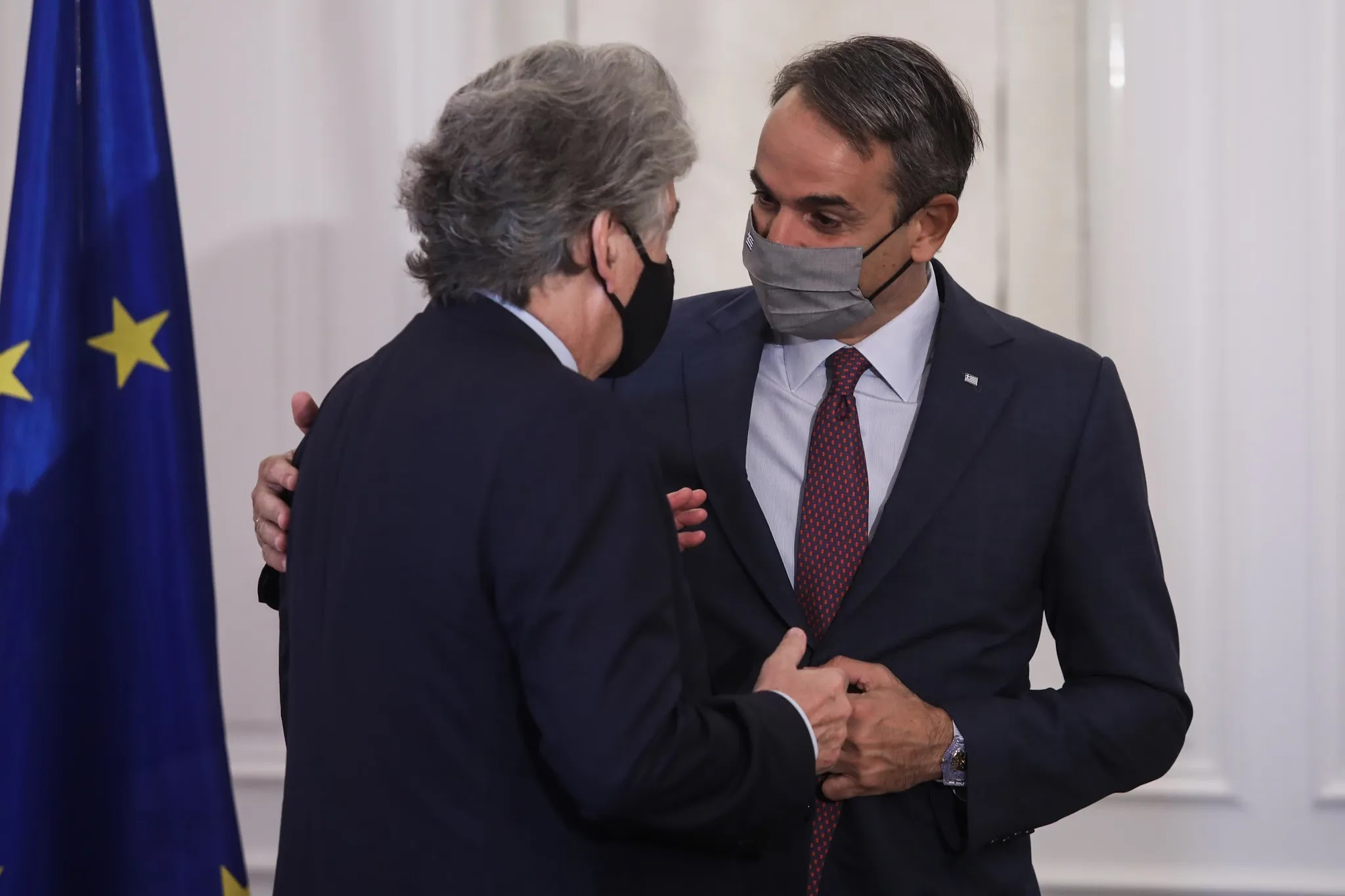"""Συνάντηση Μητσοτάκη - Breton: """"Αυξάνονται οι εμβολιασμοί στην Ελλάδα"""""""