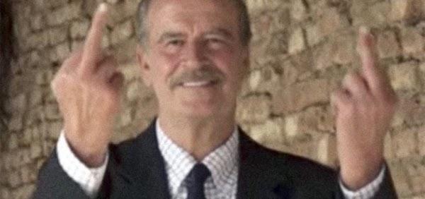 Redes reaccionan con foto de Vicente Fox,  señalan que tiene 6 dedos en los pies