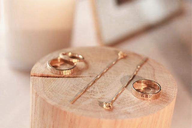 UROCZYSTOŚĆ alternatywne targi ślubne w Warszawie. biżuteria ślubna, kolczyki, mundaka, obrączki, biżuteria autorska, rzemieślnicy, jubilerzy, artyści