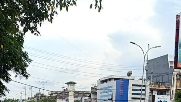 Banjir di Pusat Kota Bitung Sisakan Endapan Lumpur Dampak Pembangunan Jalan Tol