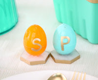 http://www.akailochiclife.com/2016/03/craft-it-plastic-egg-salt-and-pepper.html