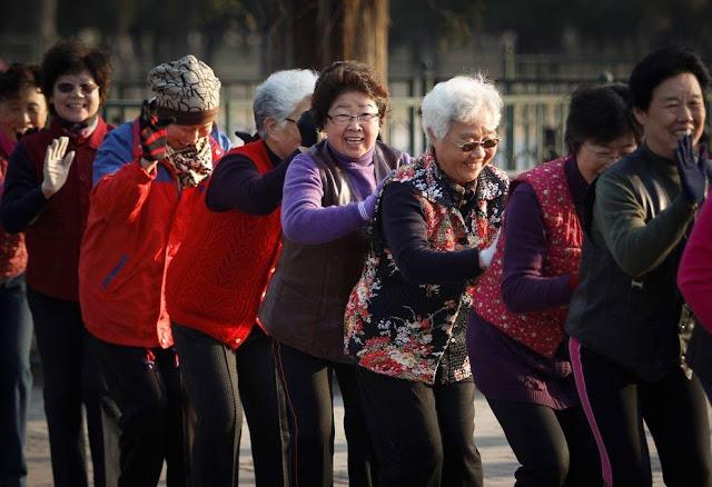 Пенсионная реформа в Китае: женщины будут уходить на пенсию в 50 лет, а в отдельных случаях — в 45!