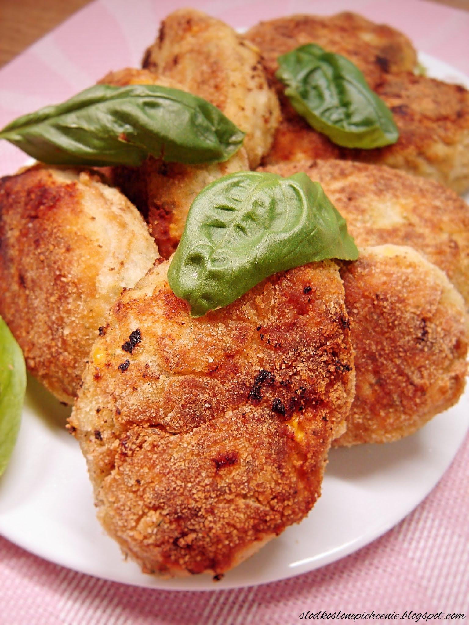 Kotlety mielone z brokułem i kukurydzą