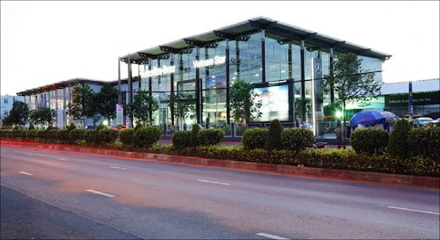Một trung tâm bán hàng và dịch vụ của Mercedes Vietnam Star