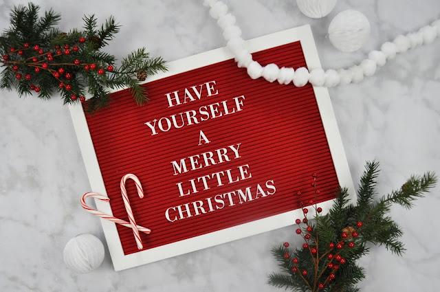 Christmas Letter Board by Jen Gallacher for www.jengallacher.com #dcwv #letterboard #jengallacher