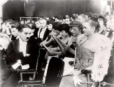 """Вечер в мюзик-холле"" (A Night in the Show) (1915) - 1"