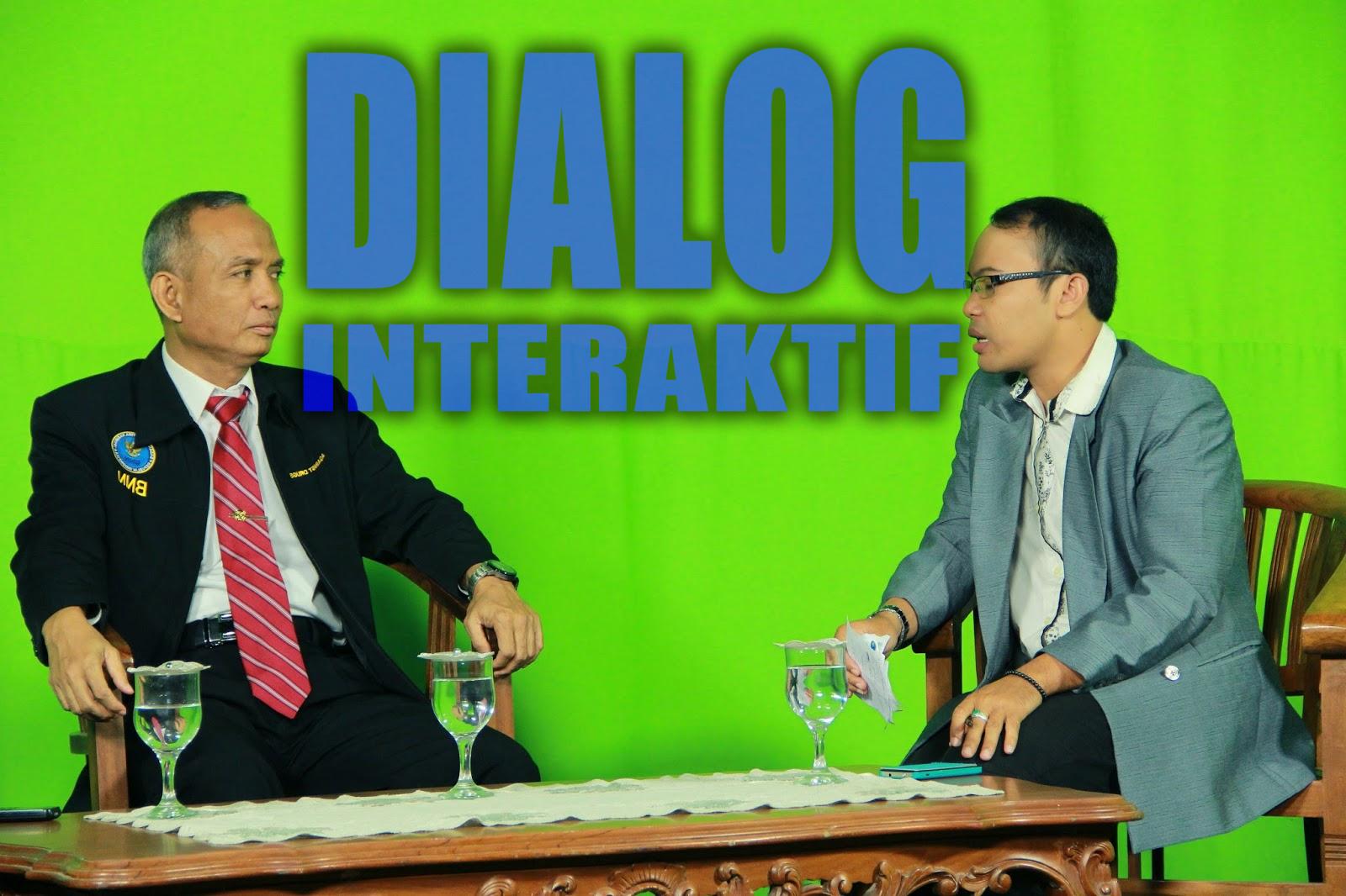 Menyimpulkan Isi Dialog Interaktif Beberapa Narasumber Pada Tayangan
