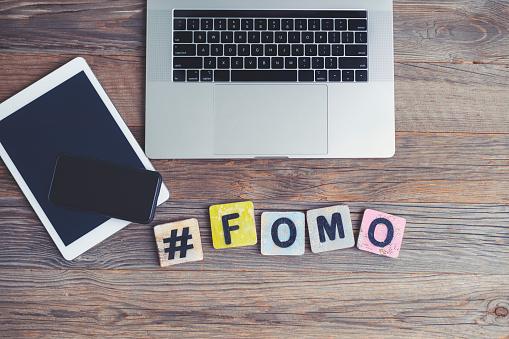 Mengenal Arti Sindrom FOMO, Cara Mengantisipasinya