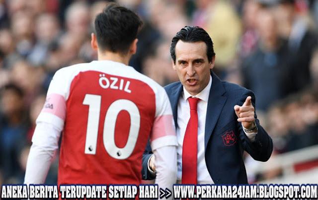 Unai Emery Tetap Sebut Mesut Ozil Penting Untuk Arsenal
