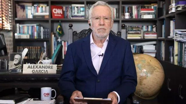 Alexandre Garcia, o jornalista que faturou com fake news no YouTube