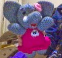 http://novedadesjenpoali.blogspot.com.es/2014/09/patron-elefantita-coqueta.html