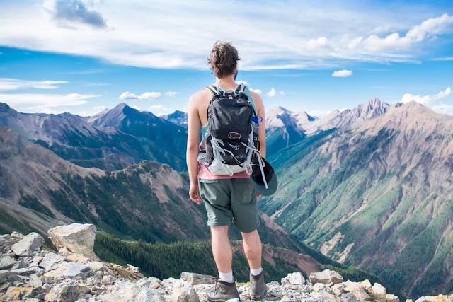 Cara Aman Wisata dan Traveling Saat New Normal