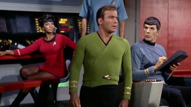 Os tripulantes da USS Enterprise usavam um tablet com touchscreen