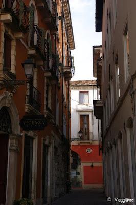 Scorcio di una Contrà di Vicenza