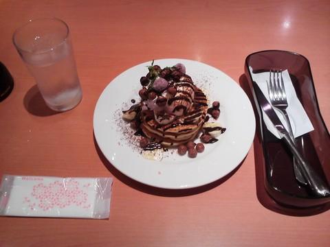 バースデーパンケーキ¥0-1 デニーズ守山店