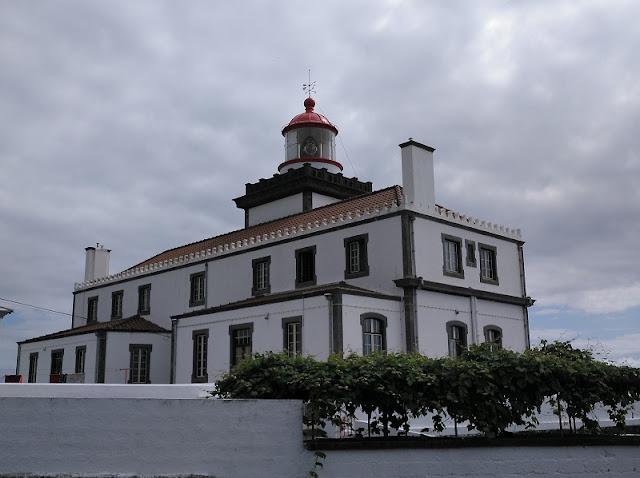 Farol da Ponta da Ferraria en Sao Miguel (Açores)