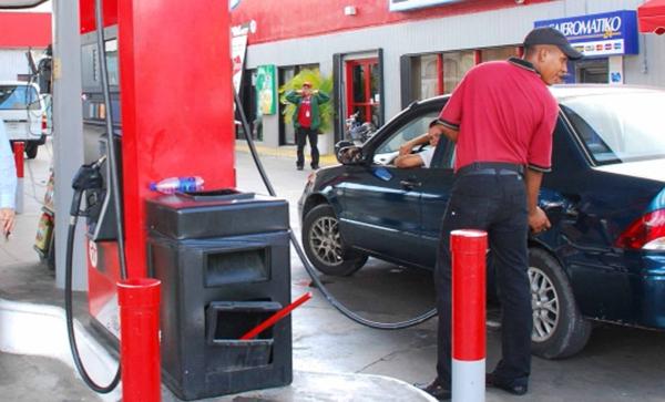 Suben dos pesos a las gasolinas; bajan uno al gasoil y 3 al GLP