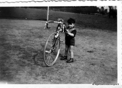 Photos anciennes en noir et blanc, famille, originales.