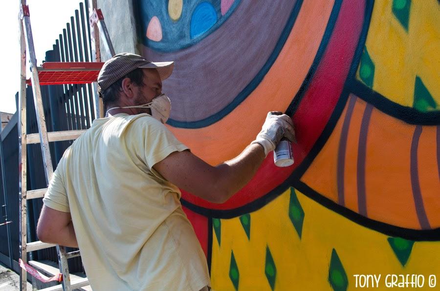 Pao sta dipingendo il progetto di Nais.