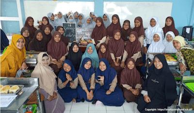 Lowongan Kerja Banyak Posisi Guru SMA IT Putri Al Hanif Cilegon