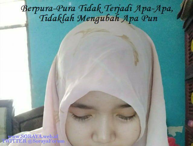 foto curhat soraya wajah sedih gadis desa berjilbab berpura-pura