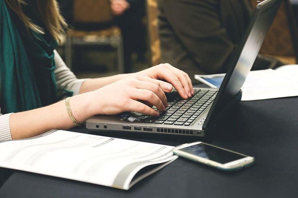Απόφαση ΣτΕ για το Δημόσιο: Διάλειμμα 15′ ανά δίωρο εργασίας μπροστά στον υπολογιστή