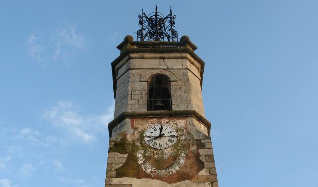 Detall de l'església de Santa Maria de Sils