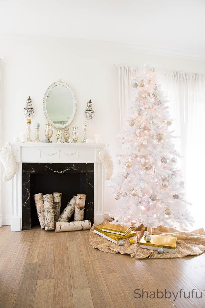white-flocked-prelit-christmas-tree