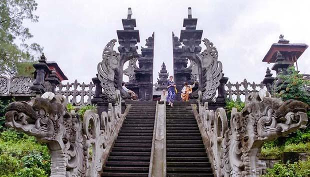 Pura Besakih, Salah Satu Wisata Religi di Bali yang Patut Anda Kunjungi