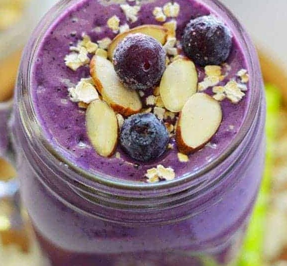 Blueberry Almond Oatmeal Smoothies #drinks #breakfast