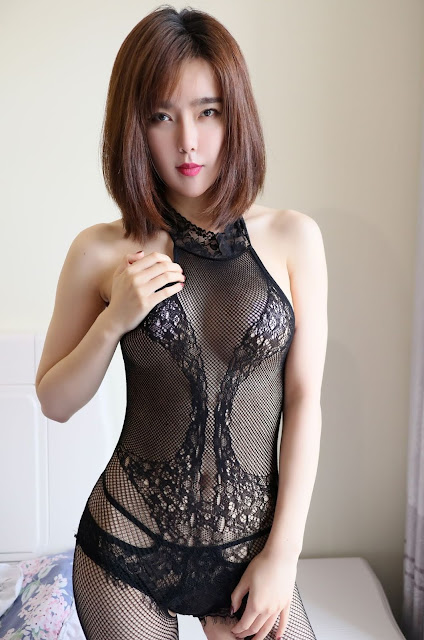 Hot and sexy booty photos of beautiful asian hottie chick Chinese babe model Yomi photo highlights on Pinays Finest Sexy Nude Photo Collection site.