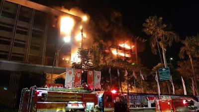 Kebakaran Melanda Gedung Kejaksaan Agung Jakarta
