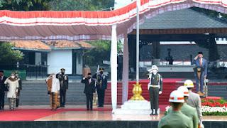 foto jokowi pembukaan pon xx papua tahun 2021 tomatalikuang.com
