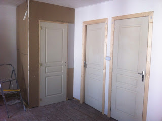 renovation project how to make a built in wardrobe from studding and plasterboard