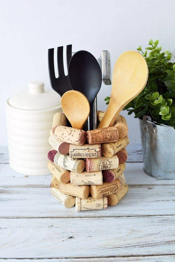 Cute DIY kitchen utensil holder craft made out of wine corks