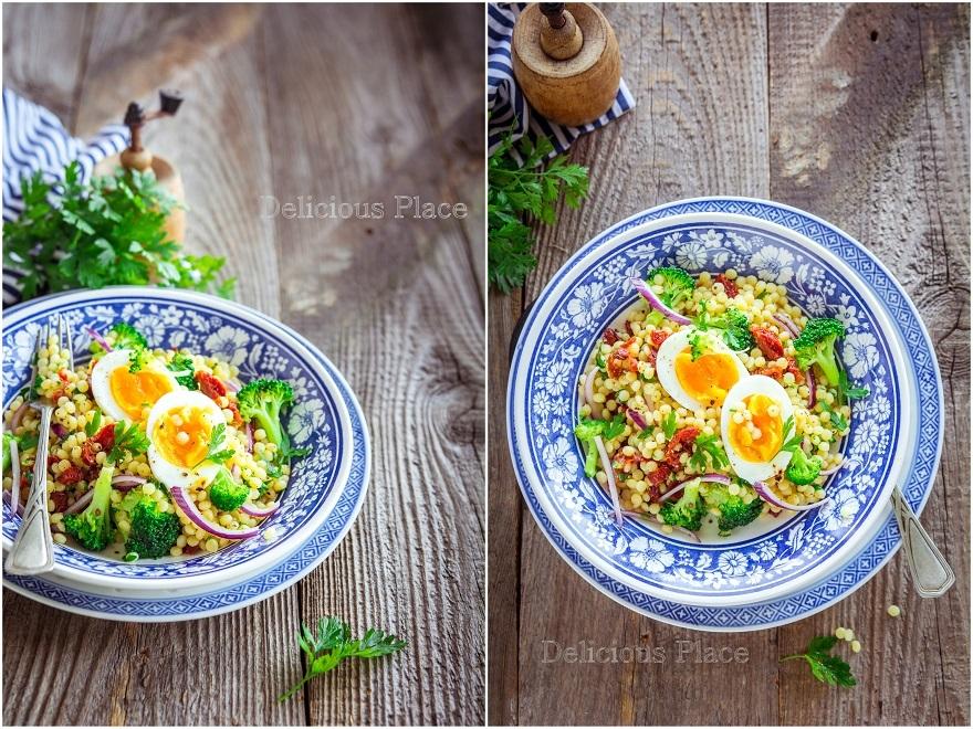Sałatka z kuskusem perłowym, brokułem i jajkiem