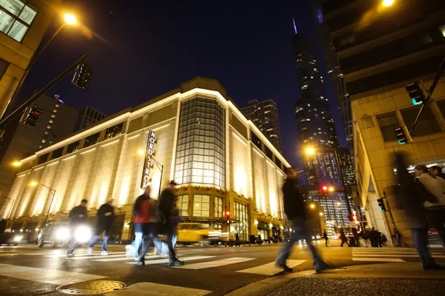 Magnificent Mile Shopping Center at Michigan Avenue