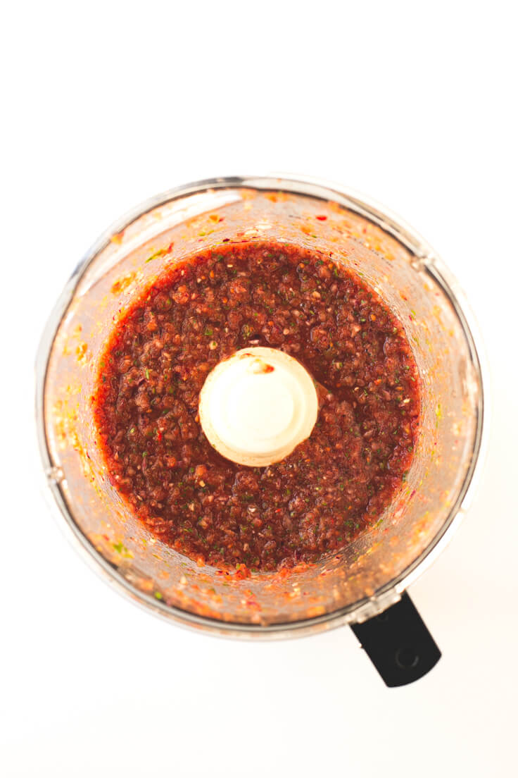 How to make Mexican Salsa - A delicious sauce that is prepared in less than 10 minutes. You have to beat!