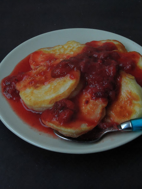 Livance, Czech Yeasted Pancakes