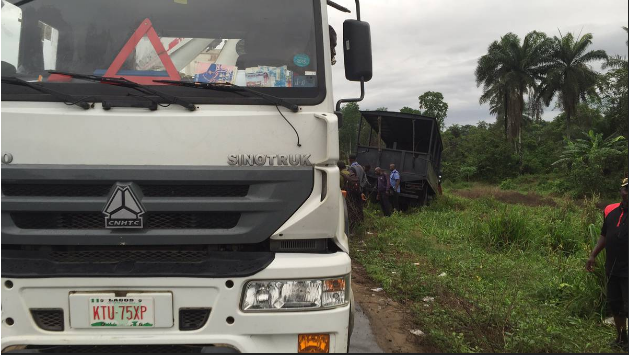 100 Police Officers Travelling To Rivers For Tomorrow's Election Rerun Involved In Auto Crash (Photos)